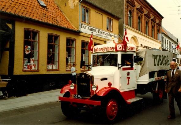 Købmandsgården med ølbil. Fotograf: Pernille Kirkeskov