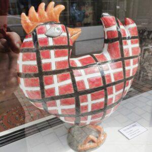 høne i keramik