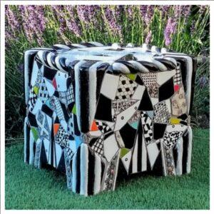 skammel til haven med mosaikker