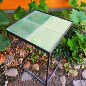 kakkelbord med metalstel